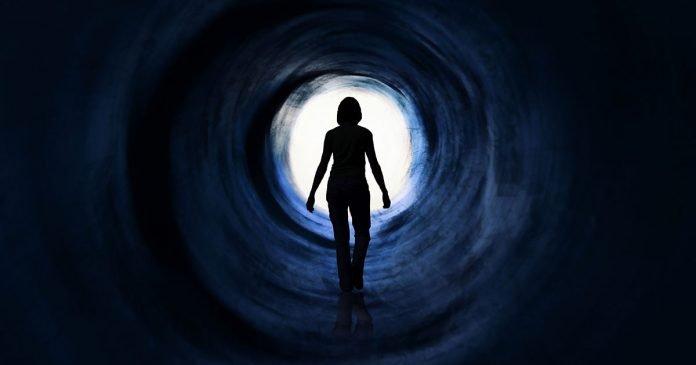 depression-women-in-dark