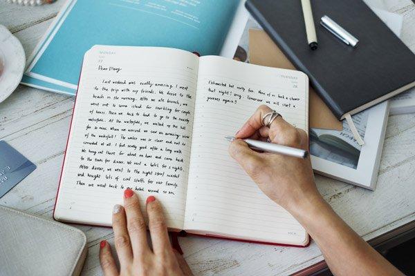 journaling to beat depression image